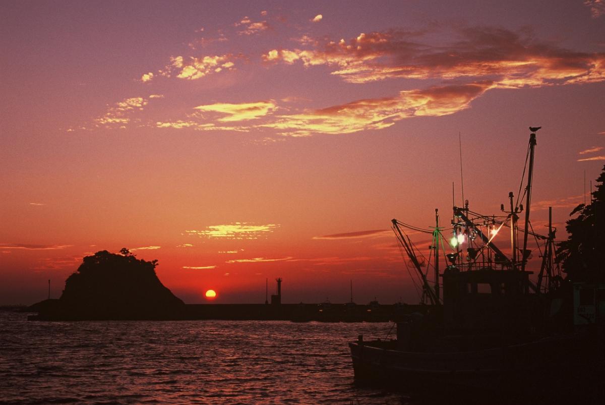 (入選)漁を待つ漁船