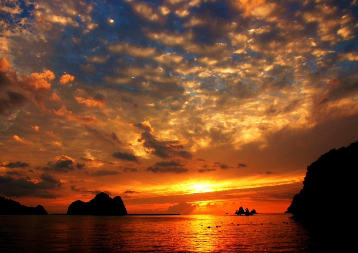 (入選)秋の雲 夕陽に染まる