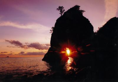 (入選)光る島