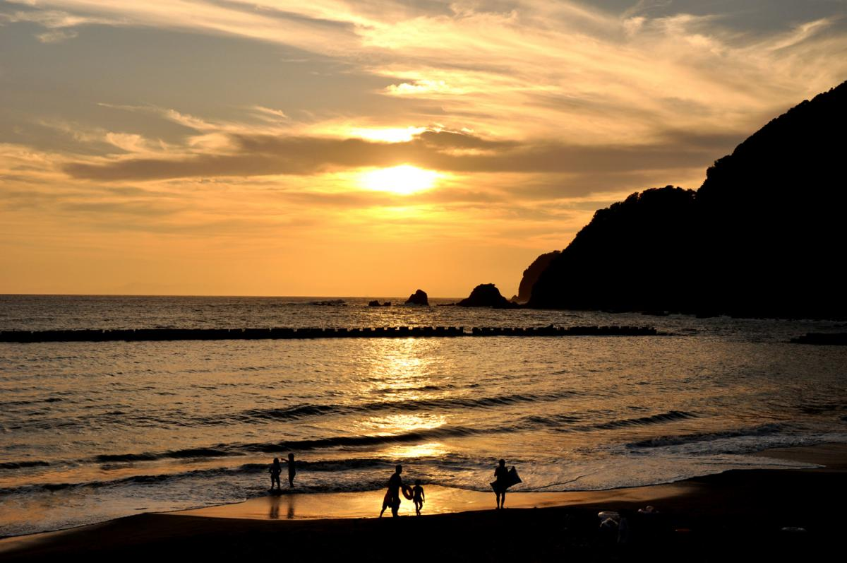 (入選)夕映えのクリスタルビーチ