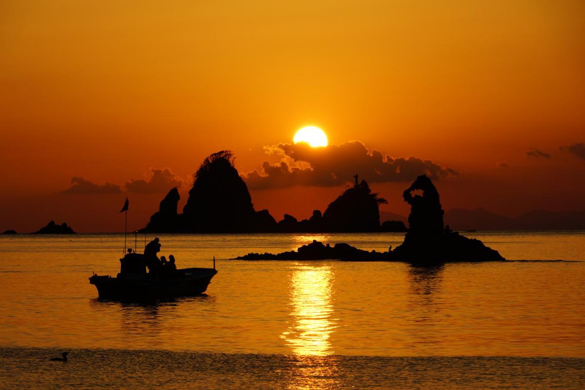 (佳作)夕陽観賞船